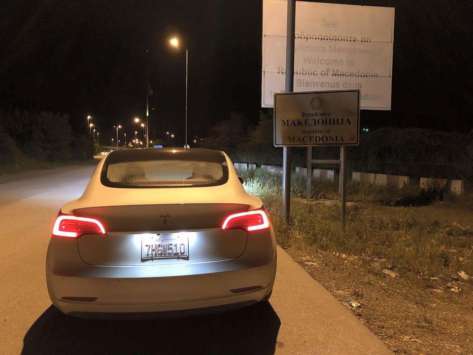 Tesla Model 3 que veio a Portugal destruído em acidente