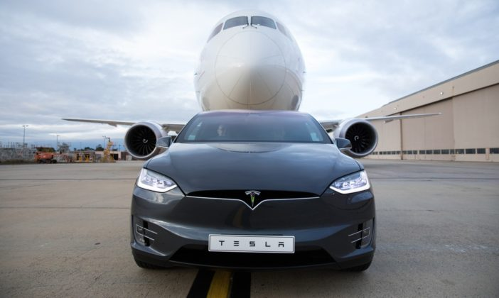 Tesla Model X, Guiness